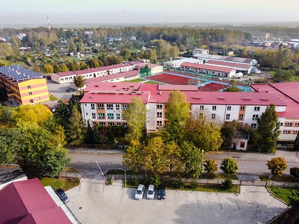 Duża szkoła i jeszcze większe możliwości